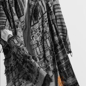 ETRO Runway Silk Knit Fringe Poncho white/black